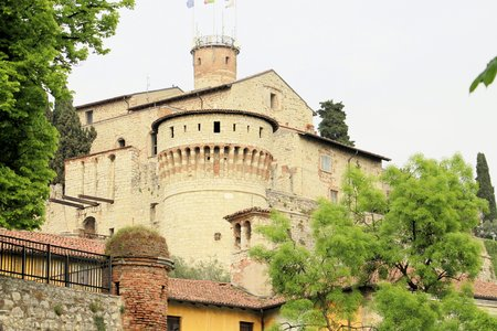 architectural detail of the ancient Italian castle\
