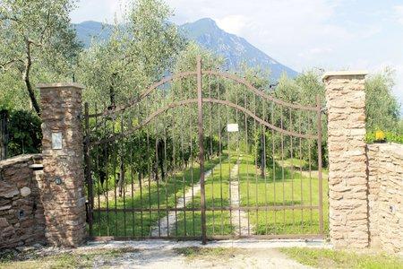 garden gate: iron gate