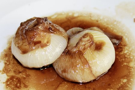 balsamic: sweet and sour onions with balsamic vinegar