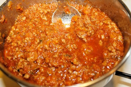 bolognese sauce: Italian Bolognese sauce in a frying pan