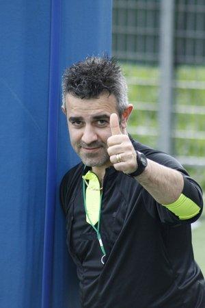 arbitro: árbitro de fútbol en un estadio Foto de archivo