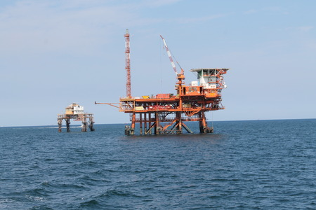 offshore oil and gas platform on the ocean 스톡 콘텐츠 - 120091961