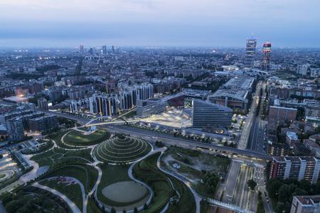 Aerial view of Milan (Italy) at dawn. 新聞圖片
