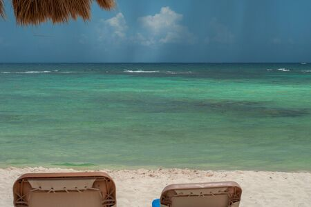 View of Tulum beach, with a summer storm coming, in the Mexican Yucatan peninsula Banque d'images