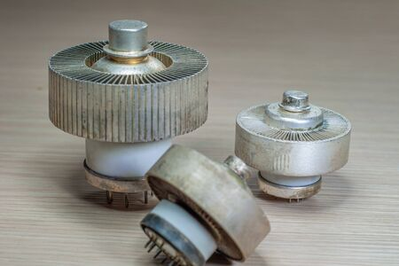 Electronic ceramic valves, with cooling fins, of various sizes Zdjęcie Seryjne
