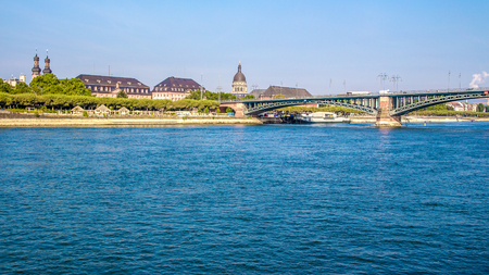 navigable: view of a Bridge on the Rhine river, in Mainz, Germany,