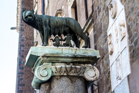 spqr: The Capitoline Wolf: Statue of the she-wolf suckling Romulus (founder of Rome) and Remus:  the icon of the founding of the city of Rome, Italy