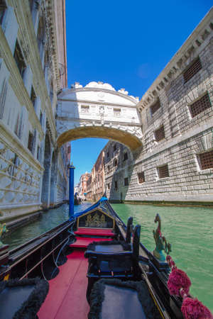 The Bridge of Sighs in Venice seen from a gondola. 報道画像