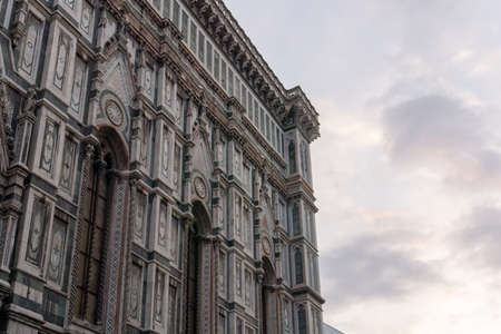 Details of Cathedral of Saint Mary of the Flower, called Cattedrale di Santa Maria del Fiore in Florence Tuscany from Uffizi Gallery. Also known Cathedral of Florence or Duomo Di Firenze. Stockfoto