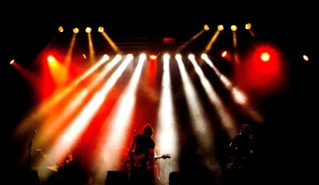 concierto de rock de un grupo de heavy metal