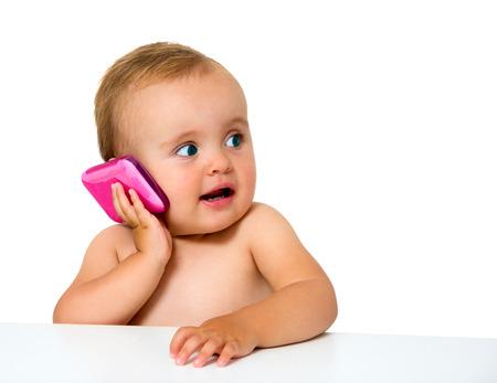 携帯電話の白で隔離と赤ちゃん