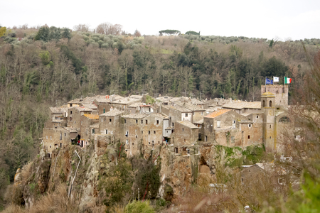 etrurian: Calcatas Town panoramical view, forest, city and valley