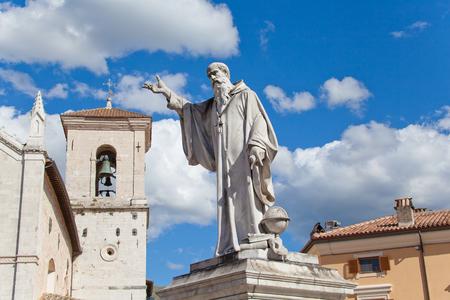 norcia: View of San Benedetto Statue in Norcia main square