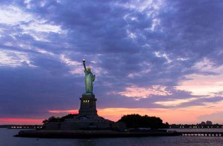 emigranti: Statua della Libert� Editoriali