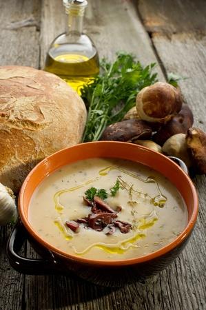 mushroom soup on bowl photo