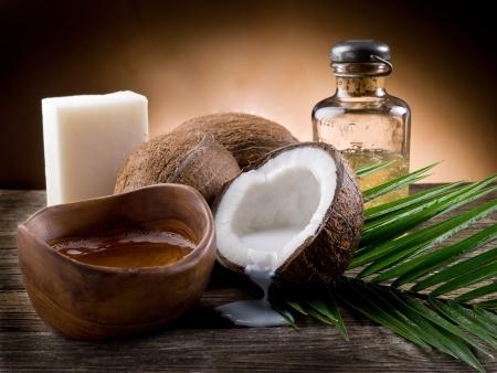 noix de coco: huile de coco naturelle noyer Banque d'images
