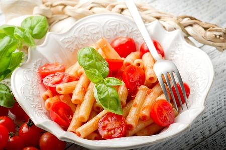 pasta with fresh tomatoes Stock Photo - 10217820