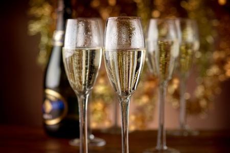 brindisi champagne: flauti con champagne Archivio Fotografico