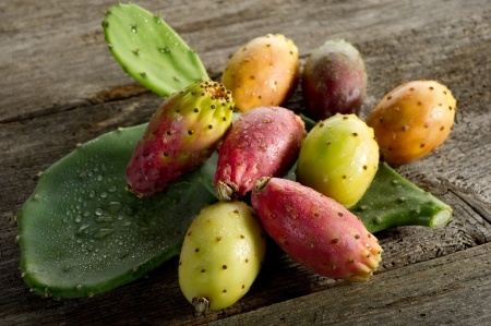 prickly pear: prickly pear fruit  Stock Photo
