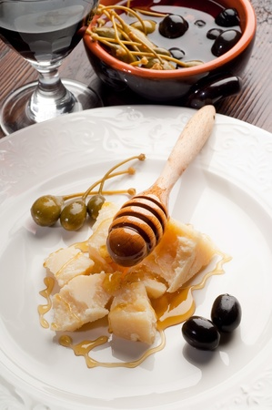 appetizer parma cheese and honey photo