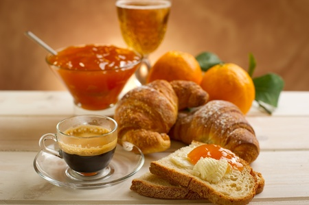 apricot jam: continental  breakfast
