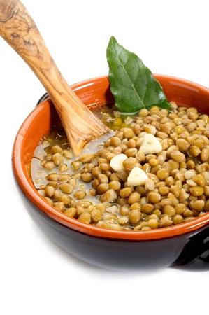 lentejas: sopa de lentejas en el plato