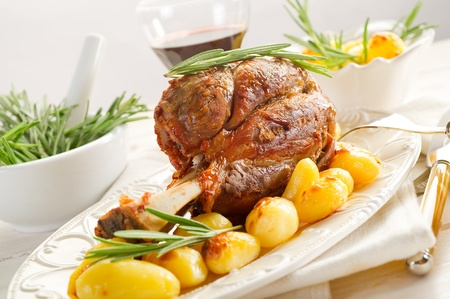 veal: shank with potatoes