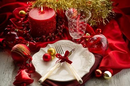 diner aux chandelles: de table rouge de luxe no�l