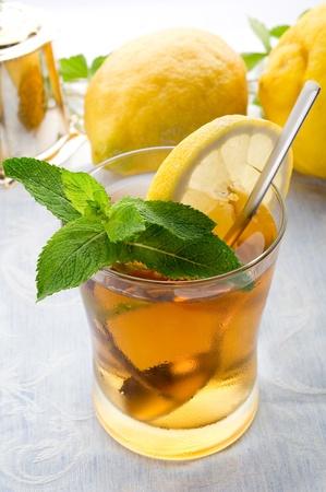 ice lemon tea: iced tea