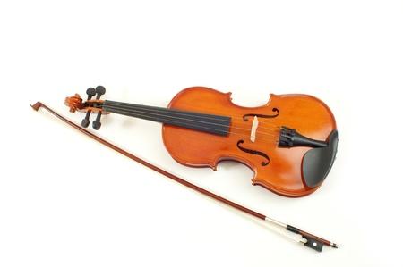 chiave di violino: violino a sfondo bianco