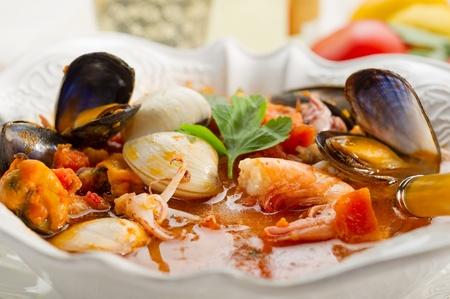 seafood soup: fish soup
