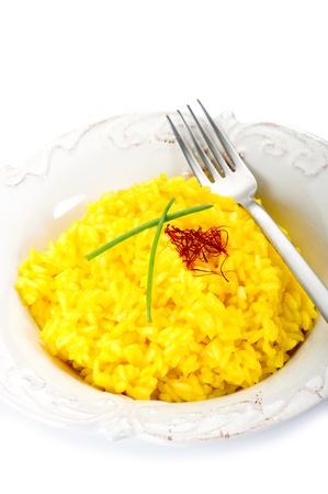arroz con azafrán en el plato