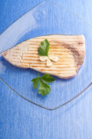 pez espada: el pez espada a la plancha con ajo y perejil