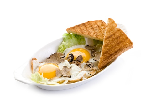 truffle: eggs with truffle and toasted bread