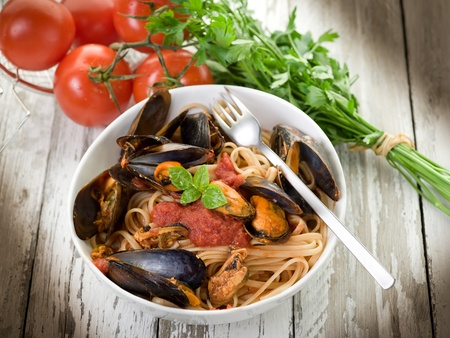 pasta with mussel and tomato sauce Stock Photo - 10591024