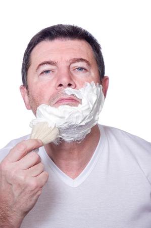 hombre afeitandose: hombre de la barba afeitada