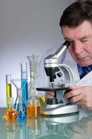 pharmacy technician: technician working at laboratory