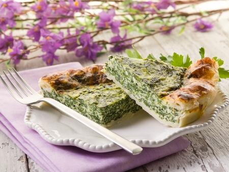 Kuchen mit Ricotta und Spinat