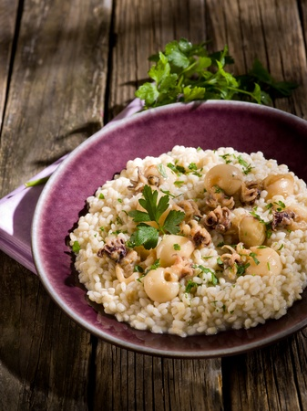 sepias: barley risotto with small sepias