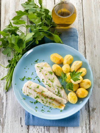 hake: steamed cod with parsley and potatoes