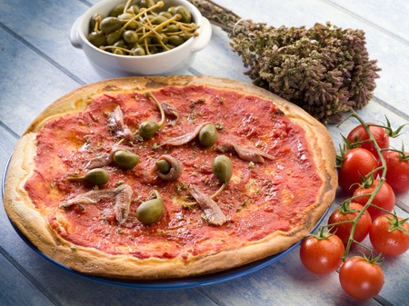 napoli: pizza with capers and anchovies