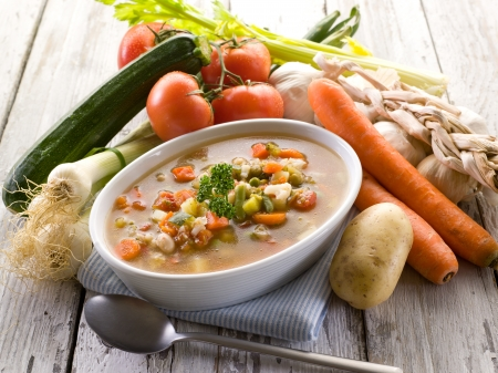 vegetable soup: soup vegetable with ingredients