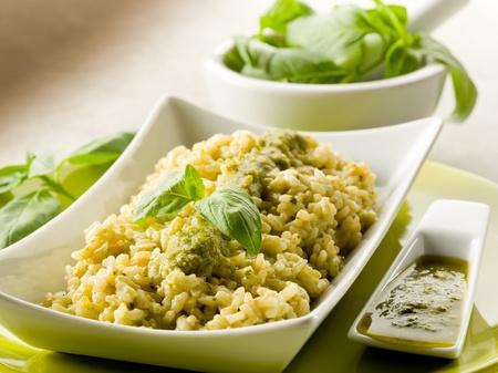 Risotto mit Pesto-Sauce Lizenzfreie Bilder