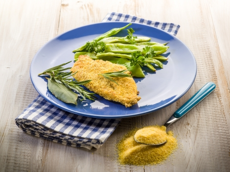 maize flour: cutlet breaded with maize flour and flat green beans