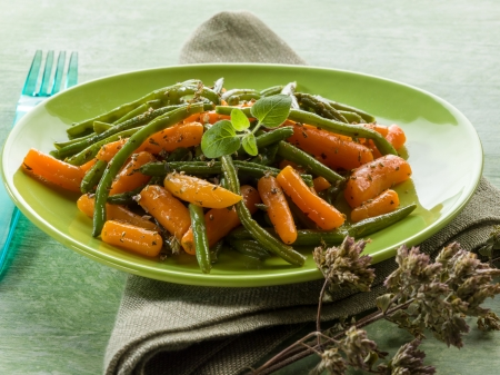vegetarian cuisine: green beans with carrots and oregano salad