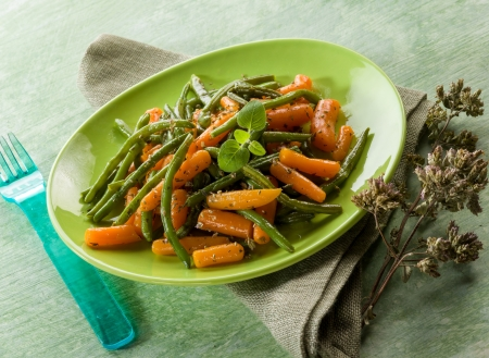 green beans with carrots and oregano salad photo