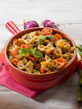 ナス & パキーノ トマト ソースのパスタ 写真素材