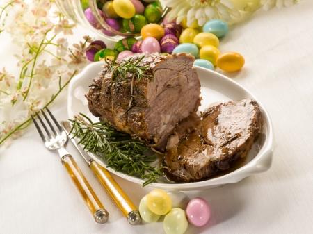 イースター テーブルの上焼き肉 写真素材