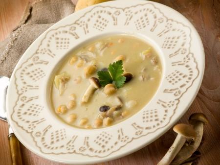 mushroom soup: soup with chickpeas mushroom and potatoes, vegetarian food
