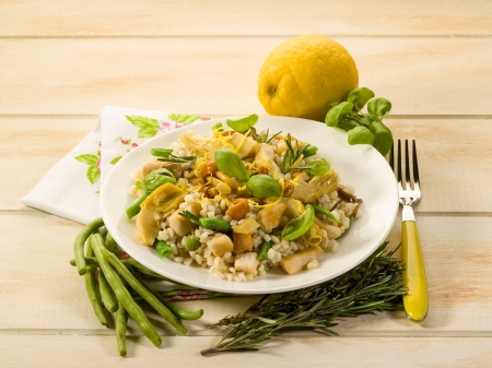 risotto: barley risotto with mushroom artichoke white meat and green beans
